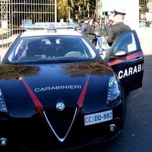 Fiano Romano, in bus accompagnava la moglie a prostituirsi: arrestato