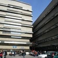 Roma, vende droga a una sedicenne poi abusa di lei: pusher a processo