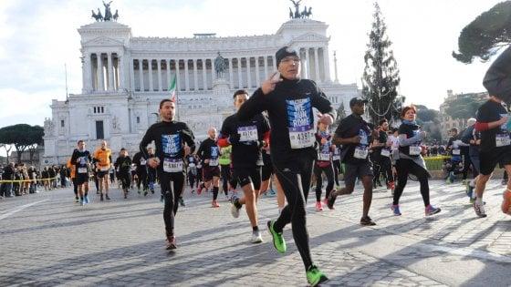 Maratona Roma, in 11.730 hanno tagliato il traguardo ai Fori foto