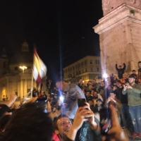 Roma-Barcellona: Pallotta si tuffa in una fontana di Piazza del Popolo, il presidente giallorosso fa festa con i tifosi