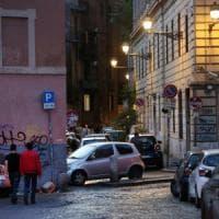 """Roma, coppia gay aggredita a Trastevere """" Ci hanno insultati e poi presi"""