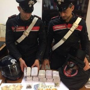 Roma, sequestrati 5 kg hashish destinati a movida: due in manette