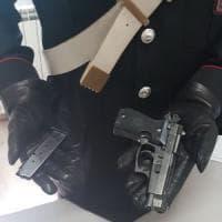 Mentana, minaccia con una pistola i carabinieri intervenuti in soccorso