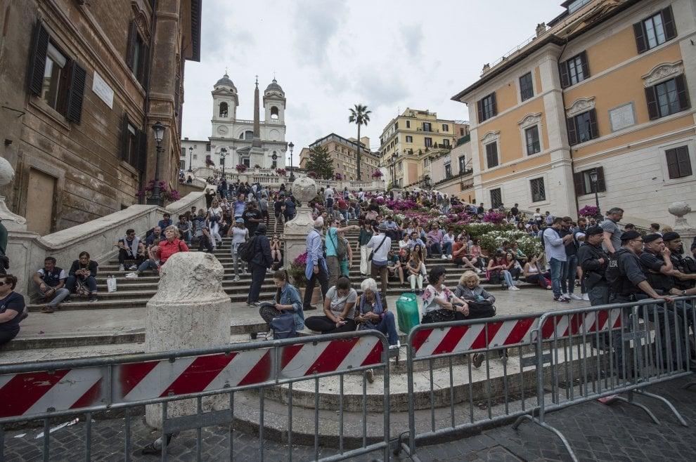 Roma-Liverpool, le transenne intorno ai monumenti e alle fontane