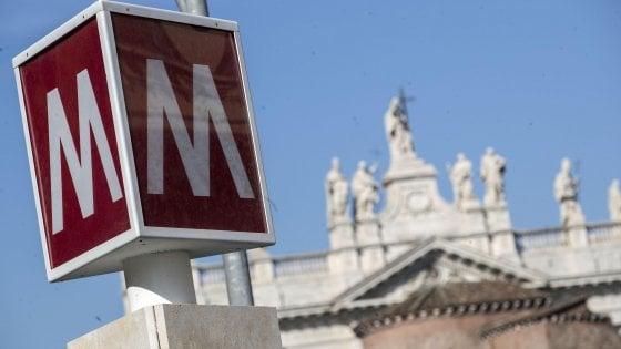 Metro C Roma, tra inchieste e collaudi lumaca un ritardo lungo sette anni per la fermata S. Giovanni