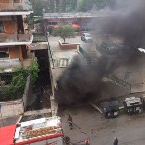 Roma, esplosione in un'officina: un ferito grave e quattro intossicati