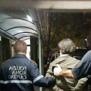Roma, donna picchiata in viale della Moschea: arrestato il compagno