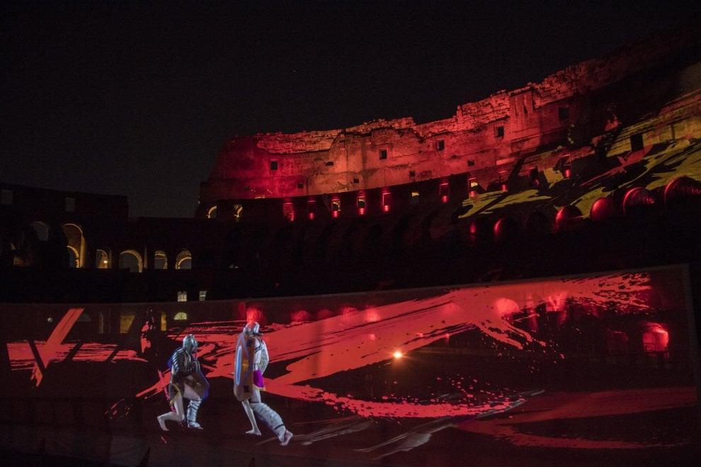 """Roma, """"Sangue e arena"""": al Colosseo rivive la magia dello spettacolo high-tech"""