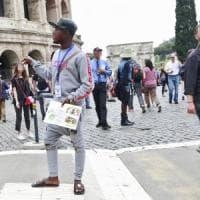 Roma,  gruppi di guide in lotta per accalappiare turisti: