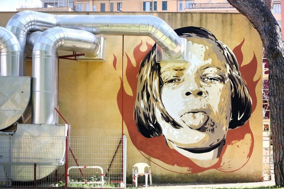 Roma,  la street art sale in cattedra con Diavù: dieci opere per i film più amati