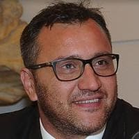 Roma, i rimborsi dei taxi di Ferrara scatenano la bufera nelle chat 5S