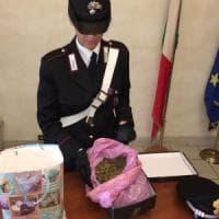 Roma, scoperto con un chilo di marijuana in borsa: