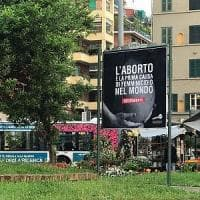 Roma, cartelloni shock:
