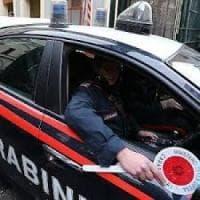 Roma, colonne e anfore sul piazzale abusivo sequestrato: denunciati due Casamonica
