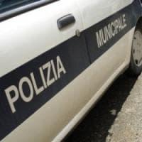 Roma, moto contro camion sulla Tuscolana: muore centauro