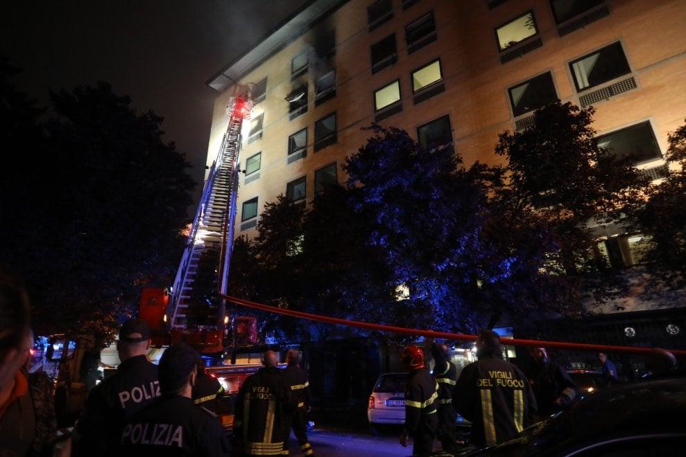 Roma, paura a Prati; incendio nella sede della cassa forense. Nessun ferito