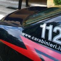 Ostia, minaccia passanti con coltello sul pontile, bloccata dai carabinieri