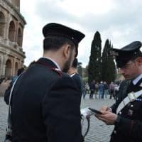 Roma, vende biglietto per il Colosseo ma era dell'Atac: arrestato