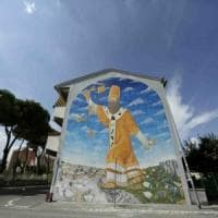 Roma, San Basilio, scontro auto-moto: grave centauro, rischia amputazione