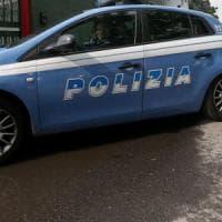 Roma, trascina donna in un androne e tenta di violentarla: arrestato
