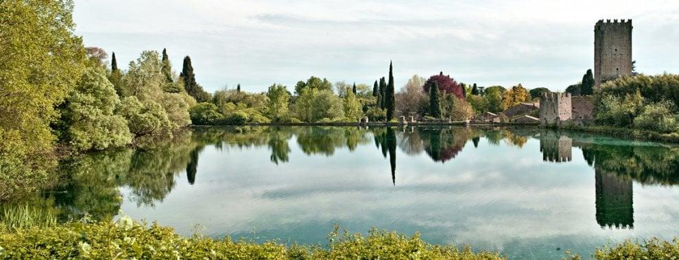 I giardini storici del lazio cancelli aperti il 2 e 3 for Giardini di ninfa orari apertura 2015