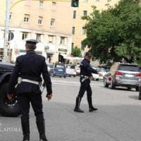 Roma, blitz della municipale a Parioli: multe a minicar
