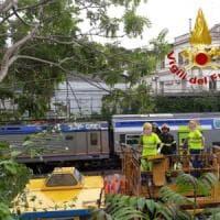 Roma, albero caduto su rete ferroviaria tra Ostiense e Tuscolana: ritardi