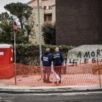Roma, scritta Br sulla lapide di via Fani: identificato il probabile autore