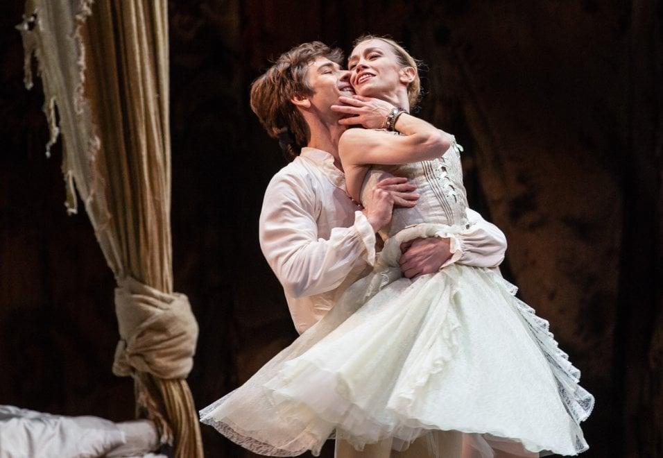 """Roma, Eleonora Abbagnato sul palco del Teatro dell'Opera in """"Manon"""""""