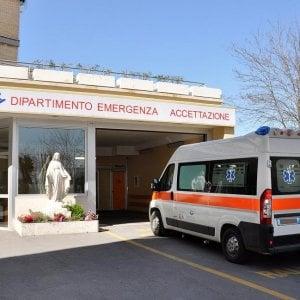 Roma, spago attorno al collo: in coma bimba di tre anni