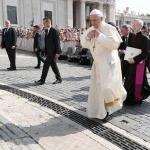 Roma, il Papa a Ostia nel segno della luce