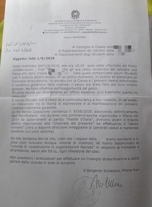 """Saluto fascista al liceo Socrate della Garbatella, la lettera della preside: """"Sorridevano non c'è reato"""""""