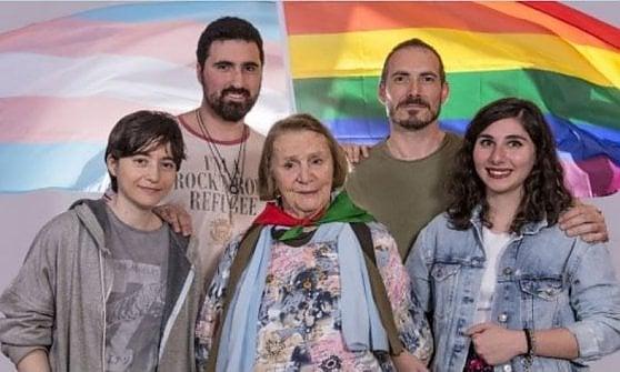 Roma Pride 2018, la folla della Brigata arcobaleno che ha invaso le vie del centro