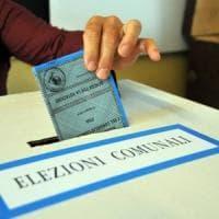 Comunali Roma, vince il non voto: affluenza solo il 27%. Ciaccheri verso la vittoria all'VIII municipio.