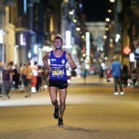 Roma, Mezza Maratona il fascino di correre nella Capitale di notte