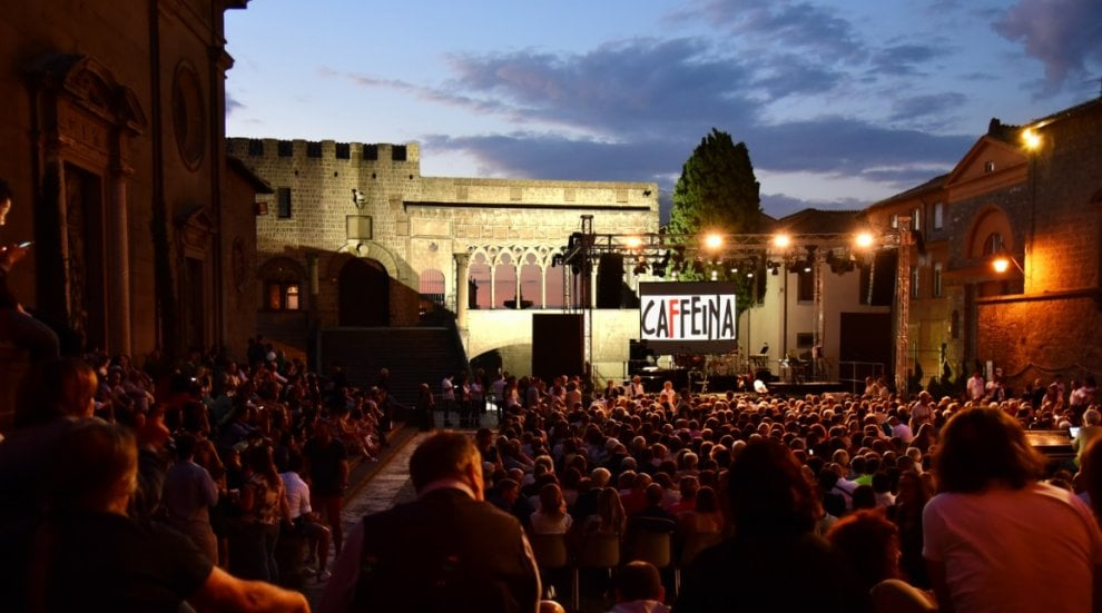 Viterbo, tutta la musica del Caffeina Festival: da Mannarino a Uto Ughi e Eugenio Bennato