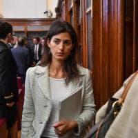Roma, al via il processo per Raggi: sindaca assente
