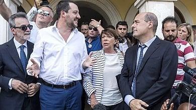 """Salvini nella villa confiscata ai Casamonica """"Le loro minacce non mi fanno paura"""""""