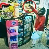 Guidonia, rapinano una farmacia e scappano: arrestati i 'Bonnie e Clyde' della Tiburtina
