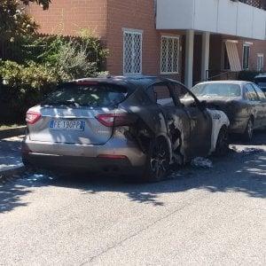 Roma, agenti corrotti: a fuoco auto imprenditore arrestato