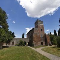 Appia antica, nel casale restaurato di Santa Maria Nova:  tra moda e archeologia