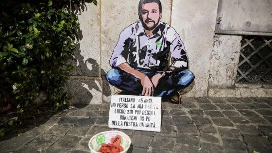 """A Roma la street art provocatoria di Sirante: """"Cercasi umanità"""""""