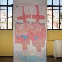 Roma, a Monti i murales  'mangia smog' sulla piazza pedonalizzata