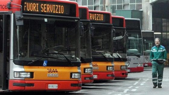 Bus rotti, corse in tilt: a Roma 50 denunce al giorno sul disastro dell'Atac
