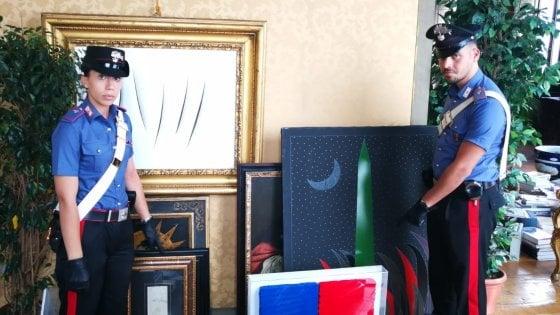 Roma, assegni scoperti per comprare opere d'arte: denunciati