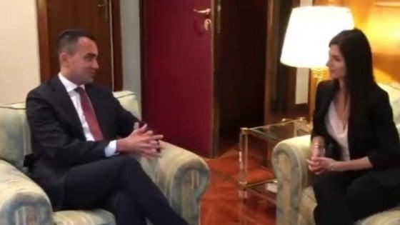 """Occupazione, Raggi incontra Di Maio: """"Una cabina interministeriale per Roma"""""""
