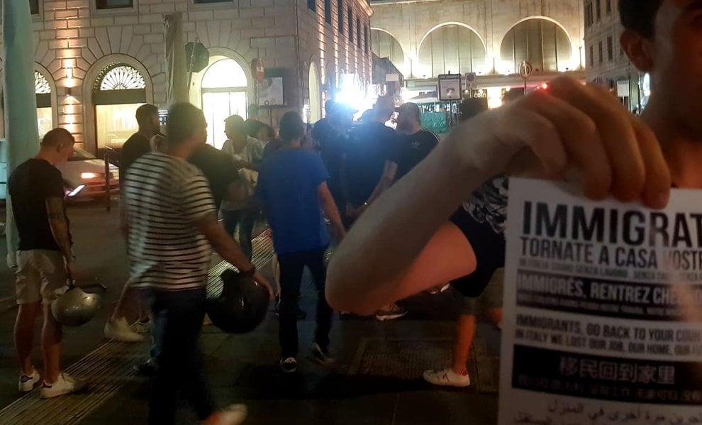 Roma, volantino razzista e anti immigrati di Forza Nuova distribuito in piazza Vittorio