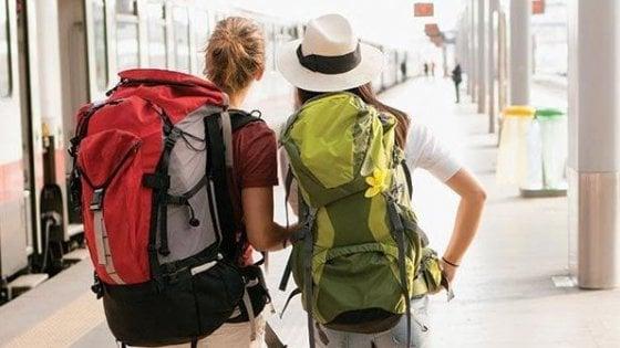 Regione Lazio, treni e pullman gratuiti per un mese per i giovani dai 16 ai 18 anni. Si parte il 15 luglio