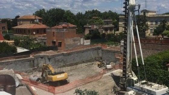 Megastore a Ostia Antica: dopo i crolli, stop al cantiere