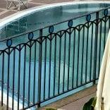 Morta in piscina a Sperlonga, accuse tra i due proprietari